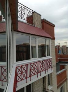 Пример крыши для балкона на последнем этаже