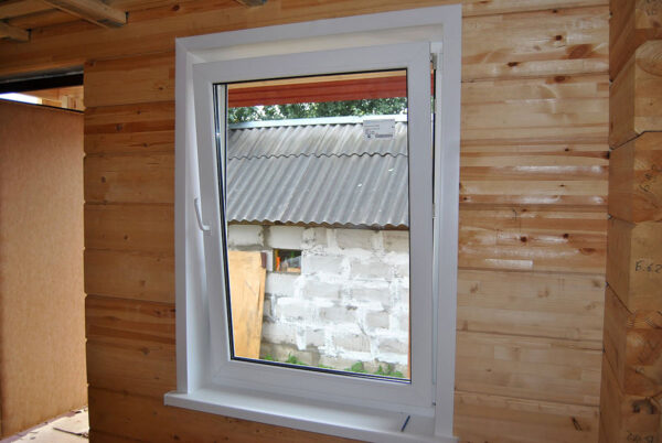 Поворотно-откидное окно для дачи